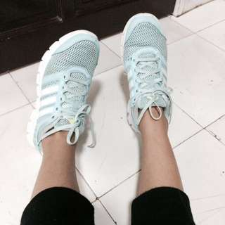 AUTH ADIDAS RUNNING SHOES