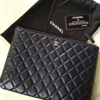 Chanel clutch lamb skin MM size