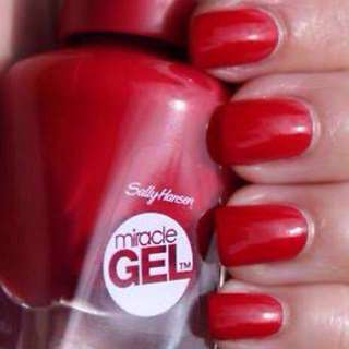 V-Day Sale! ❤️ Sally Hansen Miracle Gel polish & top coat