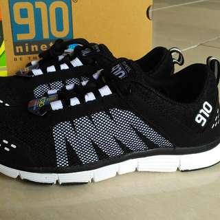Sepatu olahraga sneakers NINETEN 910 neto black white