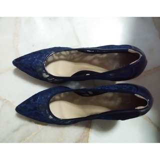 MDS lace heels size 40 at $10