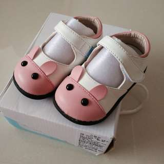 Cute Baby Shoes (comes with box) price reduced to clear