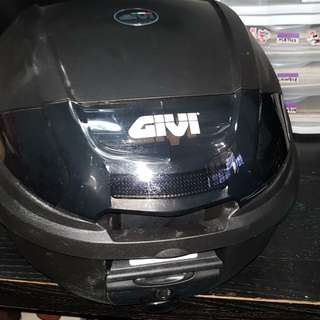 Brand new GIVI box with rack 26litres