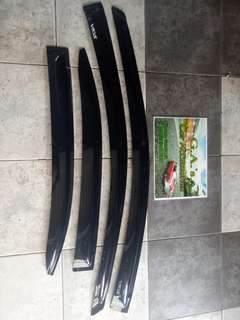 Vios door visor