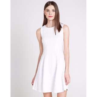 白色修腰連身裙 slim White dress