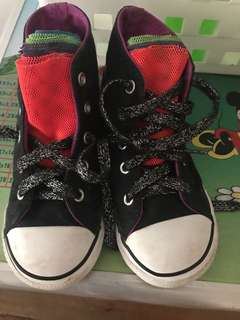 Converse almost new size 10c