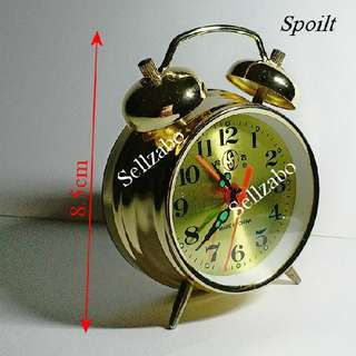Faulty Golden Spoilt Retro Round Clock Sellzabo Vintage Colour Traditional
