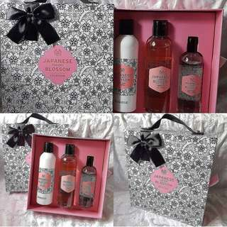 Gift set japanesse cherry blossom
