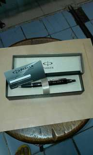 Pen Merek PARKER Executive (GRATIS Graf