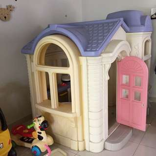 Reduced!!!Little tikes Giant playhouse