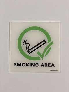 P019_ACR Smoking Area Acrylic Sign. Copyright 2018 www.safetysigns.sg. All Rights Reserved.
