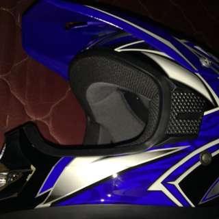 Helm Cross KYT (size L)