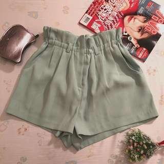 🚚 全新 正韓 SPENING 高腰鬆緊帶花苞草綠色短褲
