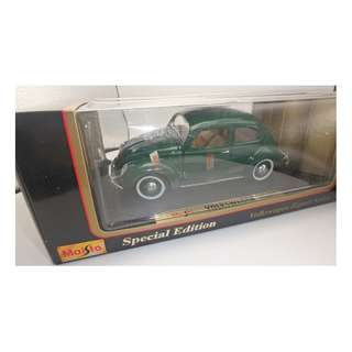 Maisto ~ 1951 Volkswagen Export Sedan GREEN 1:18 Scale