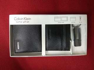 全新正版Calvin Klein 銀包禮盒 (白色情人節最佳禮品)