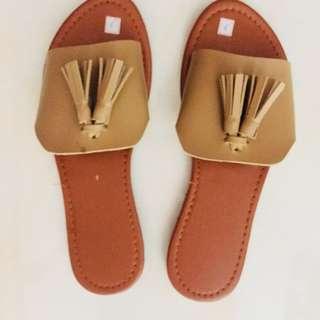 Tussle sandals