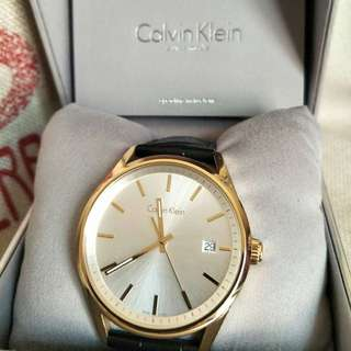 CK玫瑰金皮帶錶
