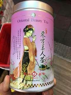 Oriental Beauty Tea (. Beauty Beauty Tea  ( memiliki aroma madu yang unik karena penampilan teh yang indah, tampilan warna teh oranye kemerahan )