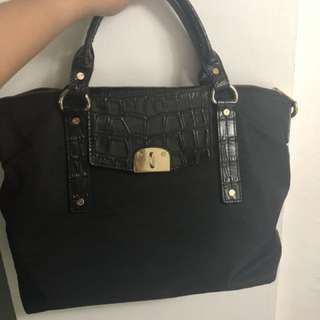 Authentic michael kors bag with sling