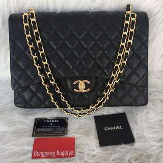 Chanel Maxi caviar Quilted Single Flap