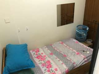 1 male single room for rent (near mrt)