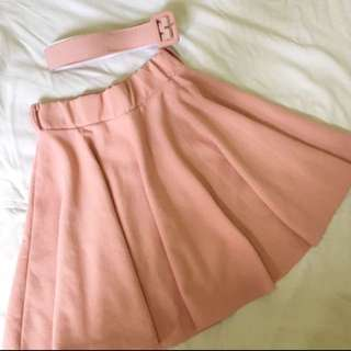 Skirt (Available color: BLACK)