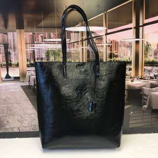 快閃Saint Laurent Patent Tote Bag with Small pouch