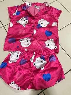 Pajamas / sleepwear