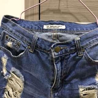 🚚 藍色牛仔刷破長褲