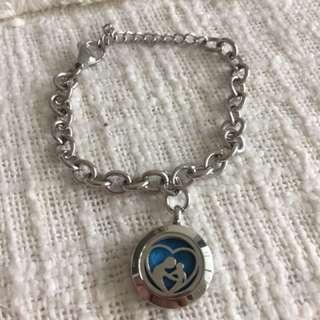 Charm bracelet for #YoungLiving or #Doterra #essentialoils #UNDER90