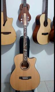 Griffinberg Acoustic Guitar