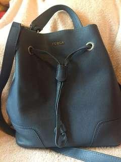 Furla 藍色水筒袋