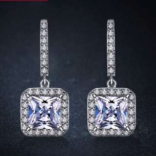 CLASSIC DESIGN SILVER COLOR CUBIC ZIRCONIA DROP EARRINGS