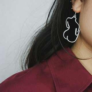 [BUY 2 FREE 1] Upper torso female body tumblr earring vintage