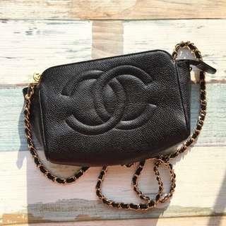 Chanel鱼子酱皮包
