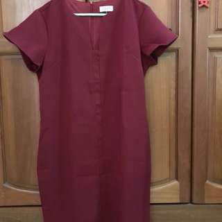 Maroon Shift Dress for sale , new without tag 🙂👗 flattering cutting !