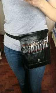 Cosmetic brush apron bag