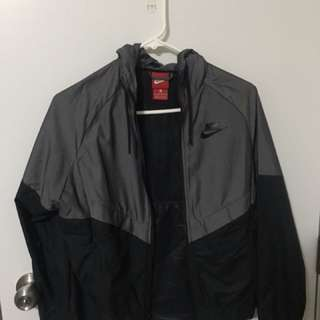Women's Nike windbreaker jacket
