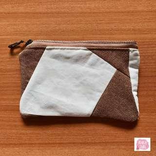 Handmade minimalistic zipper pouch