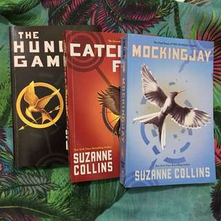 📖 Hunger Games Trilogy - Boxed Set 📚