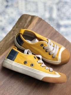 Sneakers Zara Kuning