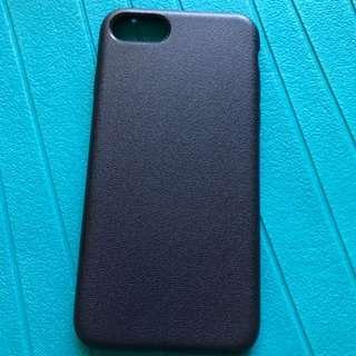 iPhone 8 / 7 深藍色矽膠保護殼