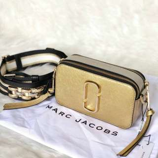 READY  MJ Snapshot in Gold w/ Chain Strap @7,8jta ONLY