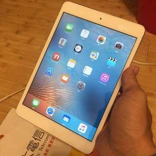 賣iPad mini WiFi 32G 白色,8.5成新,版本9.3.5,過保盒裝