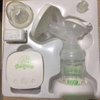 Freebies: 4 Storage bottles! Electric Breast Pump