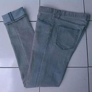 Uniqlo jeans - uniqlo soft jeans - celana jeans - soft jeans