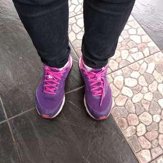 Sepatu running