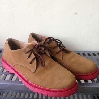 Sepatu semi boat coklat pink
