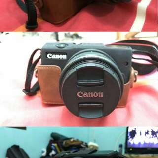 Camera Canon EOS M10