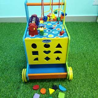 Imaginarium activity cube push walker